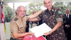 foto capa Generais Sérgio Szelbracikowski e Comandante Militar do Sudeste Marcos Antonio Amaro dos Santos